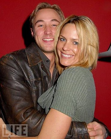 lowder divorced singles See all kyle lowder's marriages, divorces, hookups, break ups, affairs, and dating relationships plus celebrity photos, latest kyle lowder news, gossip, and biography.