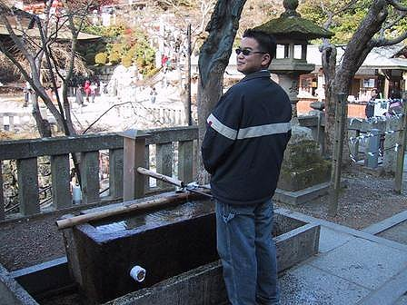 This is me getting to know a drinking fountain in Japan