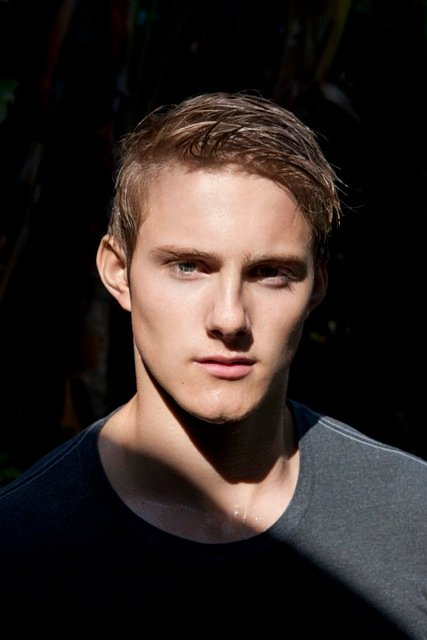 Alexander Ludwig - Picture Colection