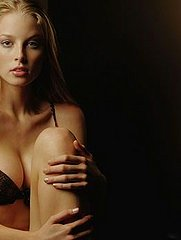 Rachel Nichols Sexy Model Pictures