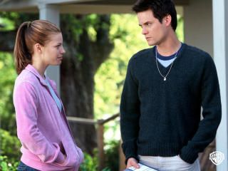 a walk to remember movie essay A walk to remember essaysa walk to remember is a beautiful love story based on the award-winning novel by nicholas sparks landon carter (shane west) and jamie.